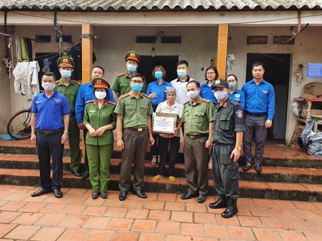 Trung đoàn CSCĐ Thủ đô tổ chức nhiều hoạt động chào mừng Ngày truyền thống CAND - Ảnh minh hoạ 2