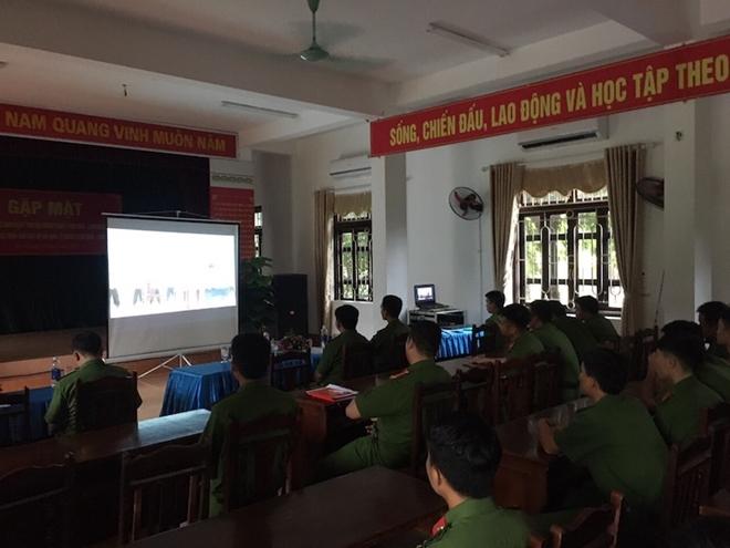 Trung đoàn CSCĐ Thủ đô tổ chức nhiều hoạt động chào mừng Ngày truyền thống CAND - Ảnh minh hoạ 4