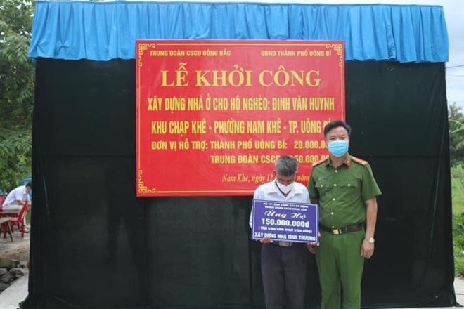 Trung đoàn CSCĐ Đông Bắc ủng hộ 150 triệu đồng xây nhà tình thương tại Quảng Ninh