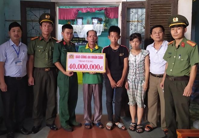 Báo CAND trao tặng 40 triệu đồng cho gia đình có hoàn cảnh khó khăn tại Nghệ An - Ảnh minh hoạ 2