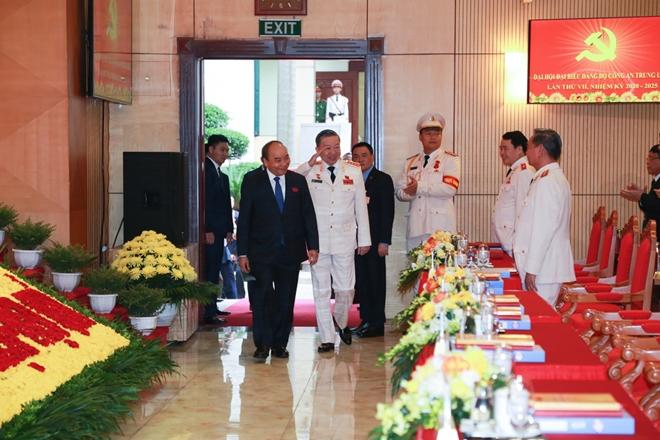 Đại hội vinh dự đón Thủ tướng Chính phủ Nguyễn Xuân Phúc.