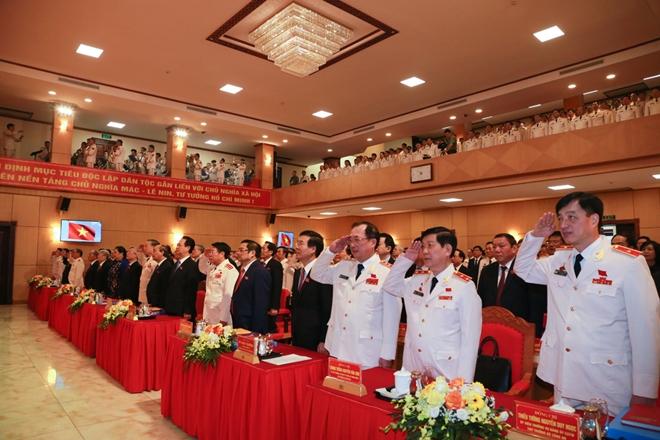 Đại hội thực hiện Lễ chào cờ.