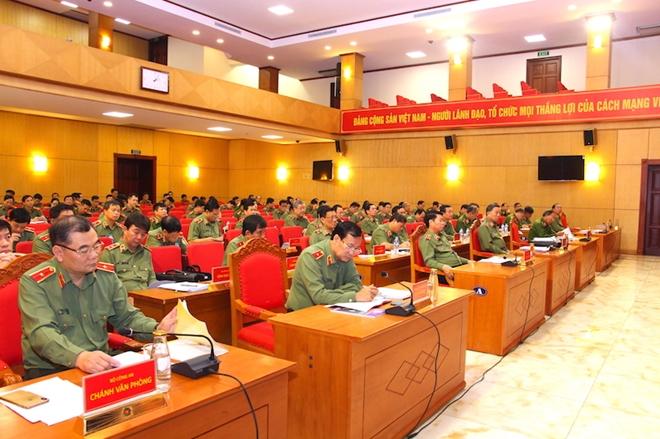 Lực lượng Công an giúp dân phòng chống thiên tai, khắc phục hậu quả mưa lũ - Ảnh minh hoạ 7