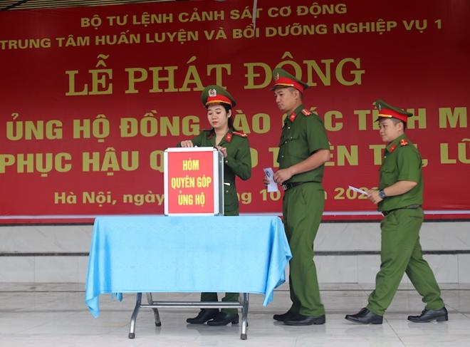 Trung tâm Huấn luyện và bồi dưỡng nghiệp vụ I ủng hộ đồng bào miền Trung - Ảnh minh hoạ 2