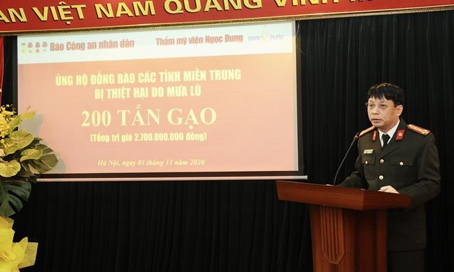 Báo CAND tiếp nhận 200 tấn gạo ủng hộ đồng bào miền Trung - Ảnh minh hoạ 2