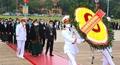 Đoàn đại biểu Đại hội dân tộc thiểu số lần thứ II vào Lăng viếng Chủ tịch Hồ Chí Minh