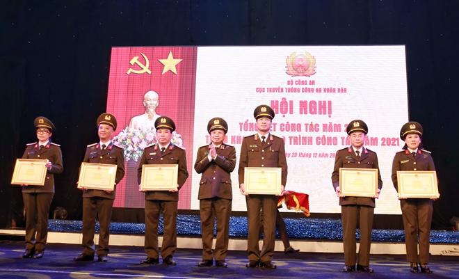 Bộ trưởng Tô Lâm chỉ đạo Hội nghị triển khai công tác Cục Truyền thông CAND - Ảnh minh hoạ 7