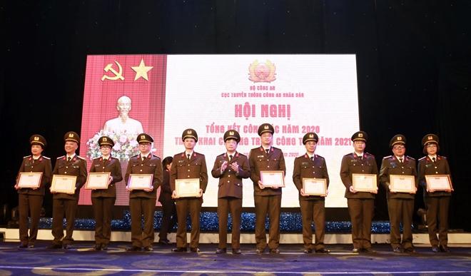 Bộ trưởng Tô Lâm chỉ đạo Hội nghị triển khai công tác Cục Truyền thông CAND - Ảnh minh hoạ 11