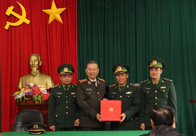 Bộ trưởng Tô Lâm dự Lễ khánh thành trụ sở Công an xã biên giới Nghệ An - Ảnh minh hoạ 13