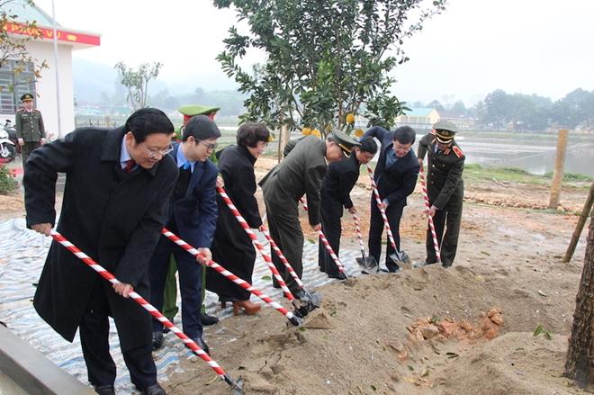 Bộ trưởng Tô Lâm dự Lễ khánh thành trụ sở Công an xã biên giới Nghệ An - Ảnh minh hoạ 6