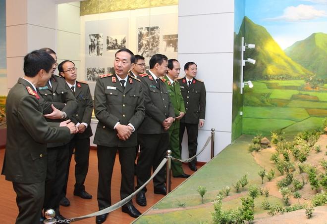 Khánh thành Phòng tưởng niệm Chủ tịch Hồ Chí Minh và các liệt sỹ CAND - Ảnh minh hoạ 6