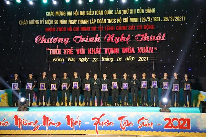 Tuổi trẻ Bộ Tư lệnh CSCĐ chung tay cùng đồng đội Tết Tân Sửu