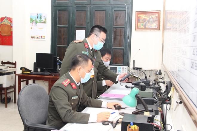 Những cán bộ chiến sỹ lặng thầm bảo đảm thông tin liên lạc tại Đại hội Đảng XIII - Ảnh minh hoạ 7