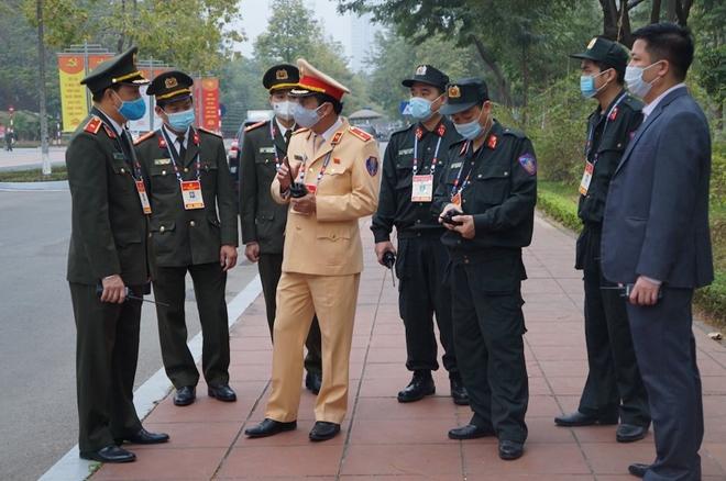 Những cán bộ chiến sỹ lặng thầm bảo đảm thông tin liên lạc tại Đại hội Đảng XIII - Ảnh minh hoạ 2