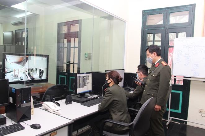 Những cán bộ chiến sỹ lặng thầm bảo đảm thông tin liên lạc tại Đại hội Đảng XIII - Ảnh minh hoạ 6
