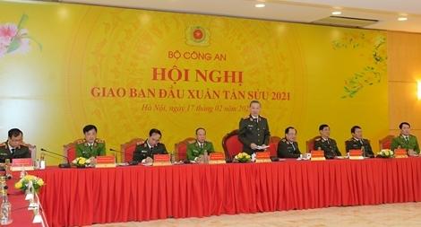 Lực lượng CAND bảo đảm an ninh, an toàn cho nhân dân vui Tết, đón Xuân