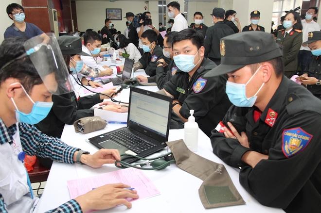 Tư lệnh Cảnh sát cơ động hiến máu và phát động CBCS tham gia - Ảnh minh hoạ 6