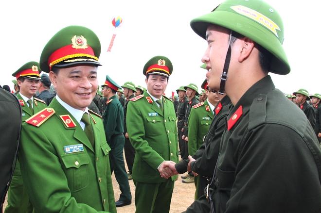 Các chiến sỹ mới từng bước làm quen kỷ luật CAND, đáp ứng yêu cầu huấn luyện - Ảnh minh hoạ 5