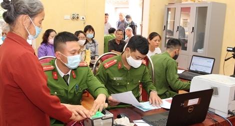 Chuyện cấp Căn cước công dân ở Công an huyện phía Tây Thủ đô