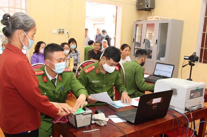 Chuyện cấp Căn cước công dân ở Công an huyện phía Tây Thủ đô - Ảnh minh hoạ 2
