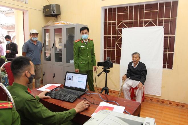 Chuyện cấp Căn cước công dân ở Công an huyện phía Tây Thủ đô - Ảnh minh hoạ 5
