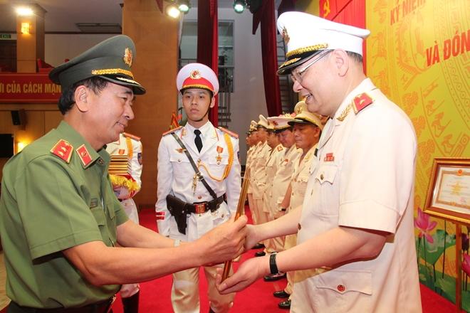 Văn phòng Bộ Công an vinh dự đón nhận Huân chương Quân công hạng Ba - Ảnh minh hoạ 8