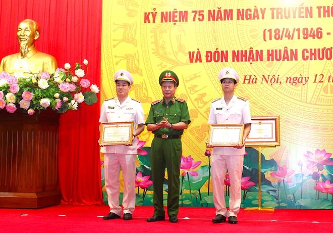 Văn phòng Bộ Công an vinh dự đón nhận Huân chương Quân công hạng Ba - Ảnh minh hoạ 7