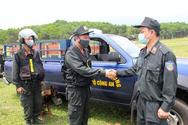 Lực lượng kỵ binh, chó nghiệp vụ sẵn sàng các phương án bảo vệ bầu cử - Ảnh minh hoạ 2