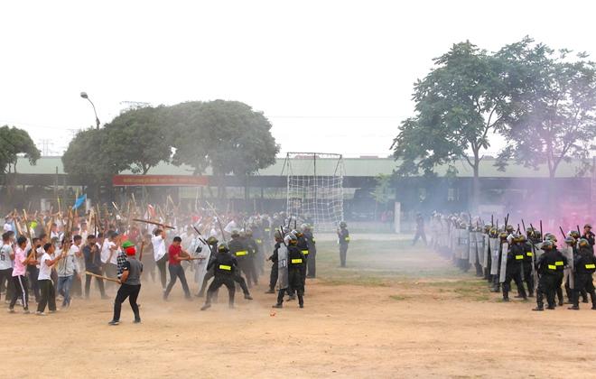 Trung đoàn CSCĐ Thủ đô thực binh phương án bảo vệ bầu cử - Ảnh minh hoạ 9