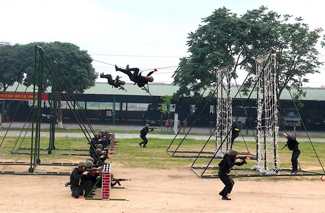 Trung đoàn CSCĐ Thủ đô thực binh phương án bảo vệ bầu cử - Ảnh minh hoạ 4