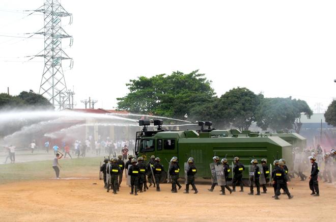 Trung đoàn CSCĐ Thủ đô thực binh phương án bảo vệ bầu cử - Ảnh minh hoạ 8