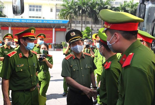 100 CSCĐ và 300 học viên CS lên đường chi viện cho Bắc Ninh - Ảnh minh hoạ 8