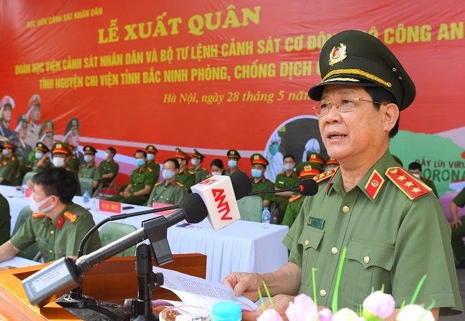 100 CSCĐ và 300 học viên CS lên đường chi viện cho Bắc Ninh
