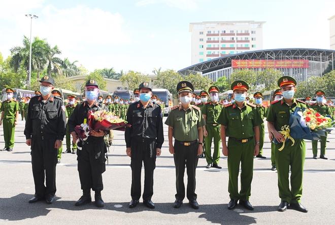 100 CSCĐ và 300 học viên CS lên đường chi viện cho Bắc Ninh - Ảnh minh hoạ 11