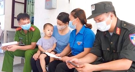 Hai Thượng úy Công an hiến máu cứu bệnh nhi ở tâm dịch Bắc Giang