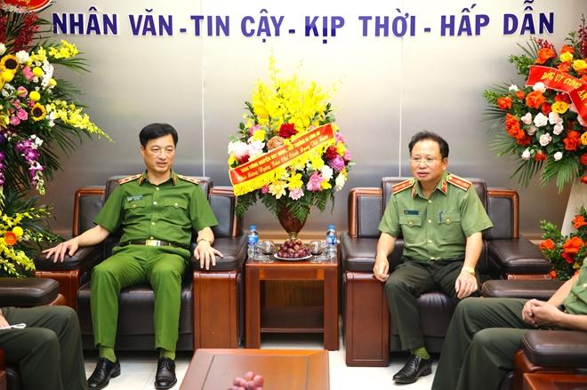 Thứ trưởng Nguyễn Duy Ngọc chúc mừng Cục Truyền thông CAND nhân dịp 21/6