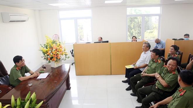 Thứ trưởng Nguyễn Văn Sơn thăm, kiểm tra trụ sở mới của Báo CAND tại số 2 Đinh Lễ - Ảnh minh hoạ 4