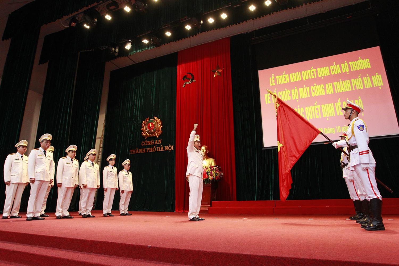 Công an thành phố Hà Nội giảm 50% đầu mối cấp phòng, 82 đầu mối cấp đội