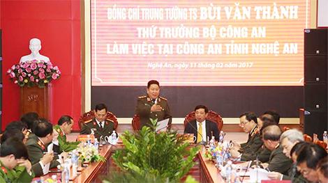 Thứ trưởng Bùi Văn Thành làm việc tại Công an tỉnh Nghệ An
