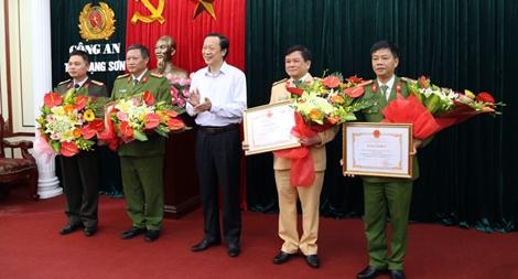 Thưởng nóng Công an tỉnh Lạng Sơn trong chuyên án 73 bánh heroin