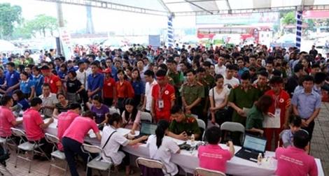 Hơn 2.000 người tham gia hiến máu tình nguyện ở Thái Nguyễn