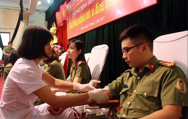 Giọt máu nghĩa tình vì đồng đội thân yêu