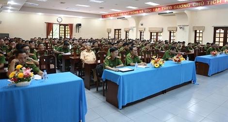 Bế giảng lớp bồi dưỡng nghiệp vụ công tác kiểm tra của Đảng trong CAND khu vực phía Nam