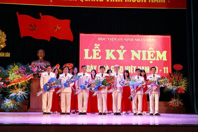 Nhiều hoạt động ý nghĩa nhân kỷ niệm Ngày Nhà giáo Việt Nam - Ảnh minh hoạ 3