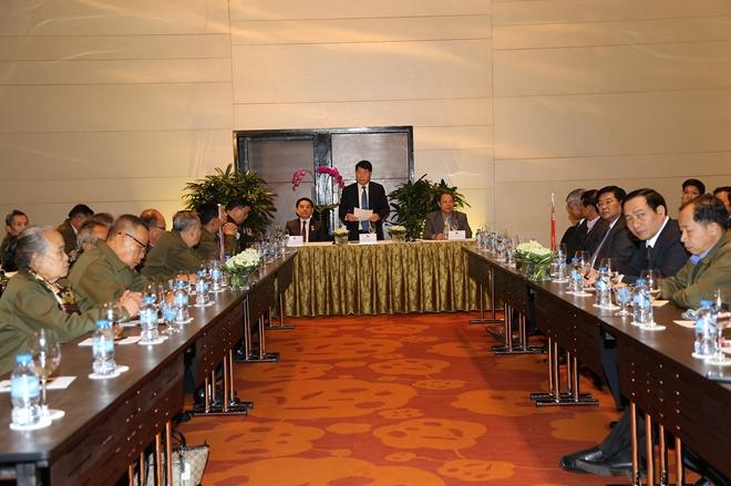 Thứ trưởng Bùi Văn Nam tiếp Đoàn Hội hữu nghị Lào - Việt Nam