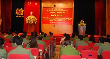 Bộ Công an tổ chức hơn 2.000 hội nghị phổ biến văn bản pháp luật