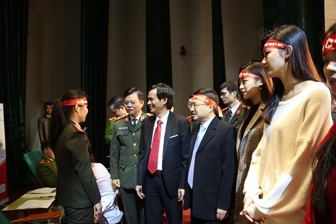 Đoàn viên thanh niên Công an Thủ đô tham gia hiến máu