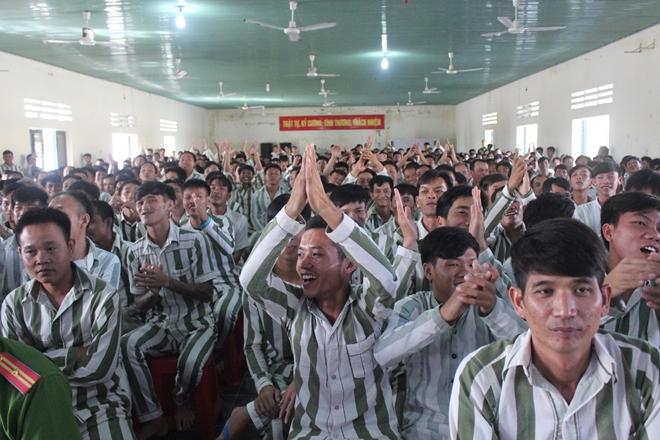 Trại giam Kênh 7 tổ chức giao lưu văn nghệ cho trên 1.000 phạm nhân - Ảnh minh hoạ 2
