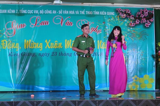 Trại giam Kênh 7 tổ chức giao lưu văn nghệ cho trên 1.000 phạm nhân