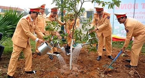 Cục CSGT phát động Tết trồng cây xuân Mậu Tuất năm 2018